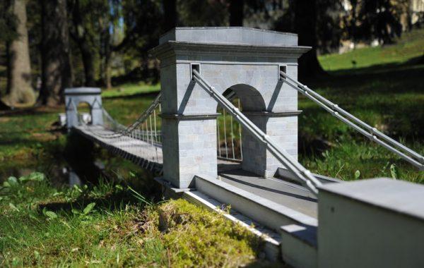 Stádlec chain Bridge