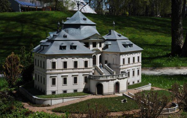 Zámek Karlova Koruna